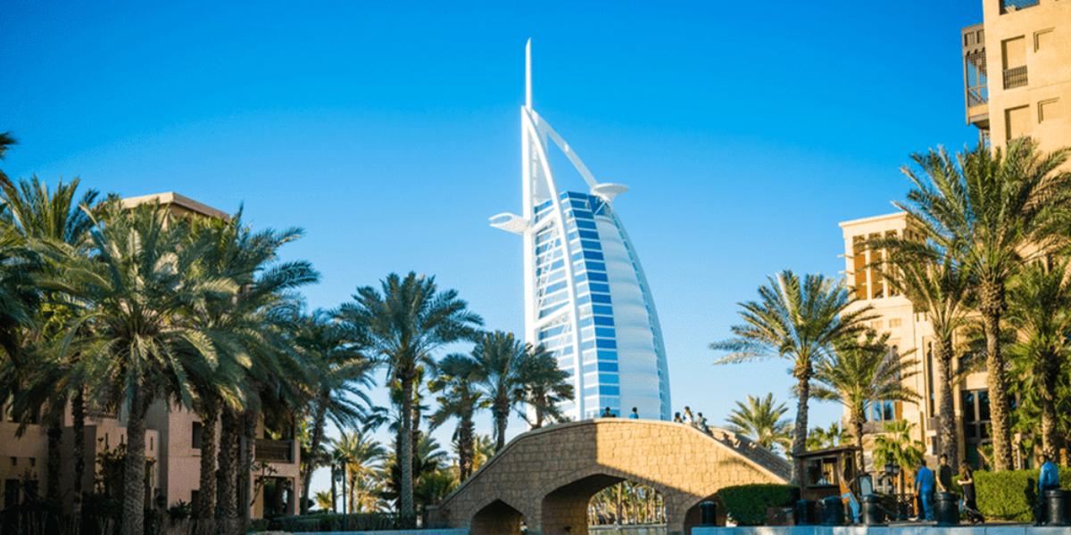 Dubaï, ville favorite des affaires pour les Africains, allège les restrictions de voyage